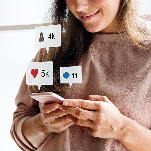 النشر عبر مواقع التواصل الاجتماعي